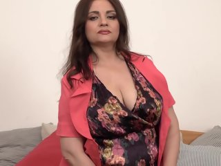susan Huge nipples on big titted older Susan titted