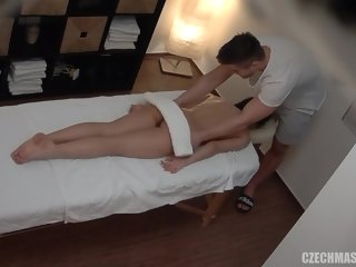 everyone A relaxing massage session can easily turn into a casual sex adventure, for everyone to enjoy sex