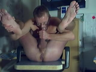 lehtinen HARRI LEHTINEN WANKING, SELFSUCKING AND EATING HIS OWN SWEET TASTY CUM! selfsucking
