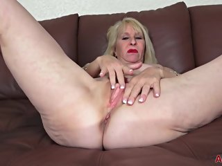 mature AllOver30 - Sandy Pierce Mature Pleasure allover30