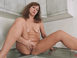 allover30 Allover30 - Rafaella Mature Pleasure mature